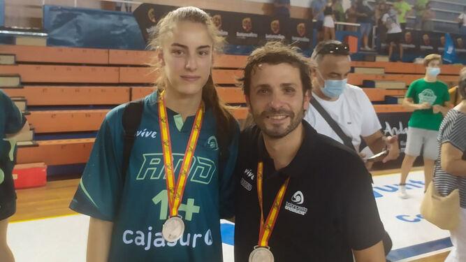 Elena-Ruiz-Samu-Gomez-medalla